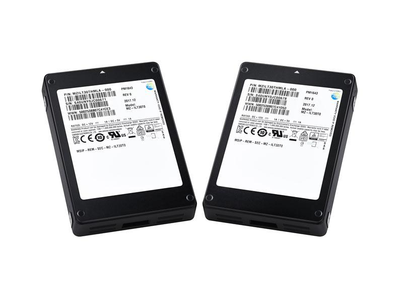 SSD 2.5 pouces de 30 To